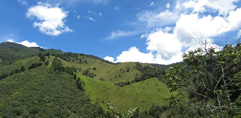 Adventurous hike to Chorro de las Campanas